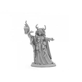 Reaper Dark Heaven Legends 03973 - Bonehenge Priestess