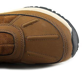 أغلقت Bearpaw المرأة جوينيث جلدية أحذية الطقس البارد العجل منتصف إصبع