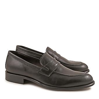 Handmade penny loafers for men in black calf leather