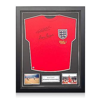 Geoff und Martin Peters unterzeichnet England 1966 Fußball-Shirt. Standardrahmen