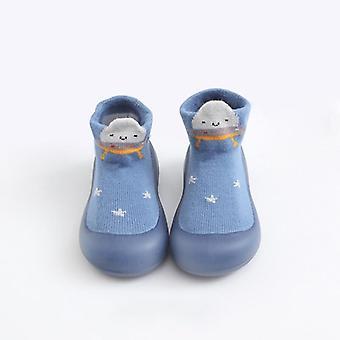 طفل صغير أحذية سوك. أحذية الطفل