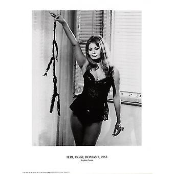 Sophia Loren Poster Print (12 x 16)