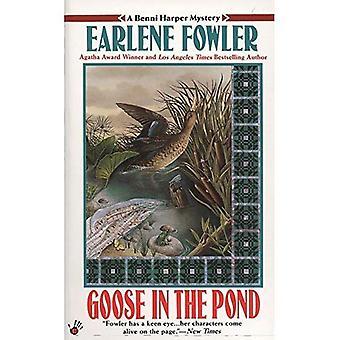 Goose in the Pond (Benni Harper Mysteries)