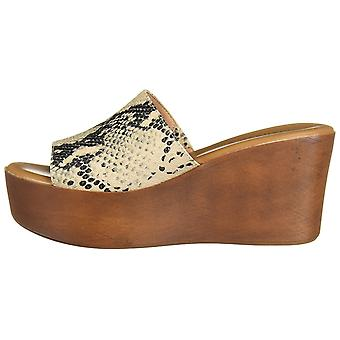 Madden Girl Women's Shoes Karrmen Fabric Peep Toe Casual Platform Sandals