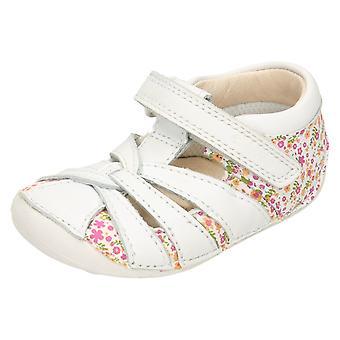 Croiseur de filles Clarks chaussures peu Mae