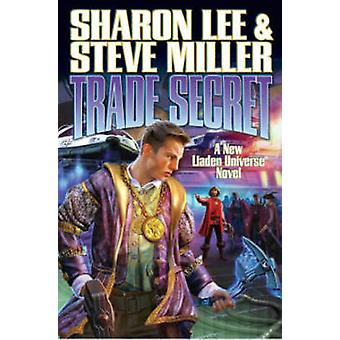 Trade Secret Limited Signed Edition by Sharon Lee - 9781451639308 Book
