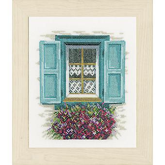 Lanarte Counted Cross Stitch Kit: Fönster med fönsterluckor (Aida)