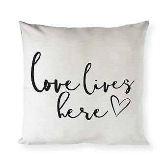 Love Lives Here -tyynynpääty