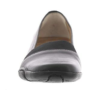 Auditions Womens Grace Leather Closed Toe Ballet Flats
