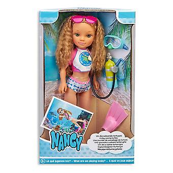Doll Nancy Saving Turtles Famosa (43 cm)