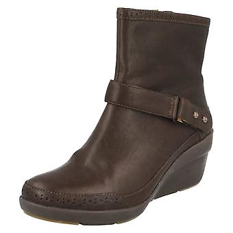 Ladies Unstructured Clarks Lightweight Ankle Boots -apos;Un Lorna-apos; Ebony UK 6.5D, EU 40