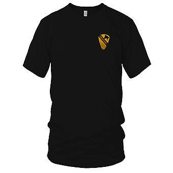 Amerikaanse leger infanterie 1ste Cavalerie - Crew Chief Military Vietnamoorlog geborduurde Patch - Mens T Shirt