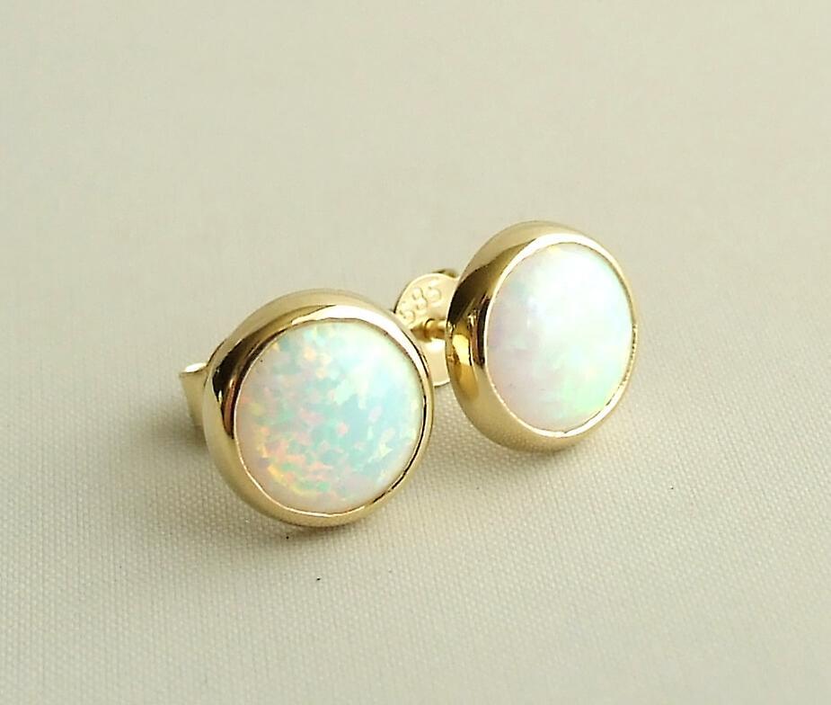 Gold Opal oorknopen