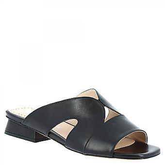 ليوناردو أحذية النساء & أبوس؛ق اليدوية الشرائح منخفضة الكعب الصنادل الصنادل جلد العجل الأسود