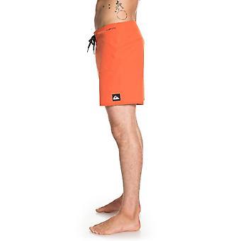 Quiksilver HighLine Kaimana 16 lyhyttä surffi shortsit Tiger Orangessa