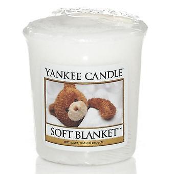 Yankee Candle Votive Sampler Soft Blanket