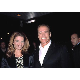 アーノルド · シュワルツェネッガーと担保被害 Ny 262002 Cj Contino 有名人によっての利点上映に妻マリア ・ シュライバー