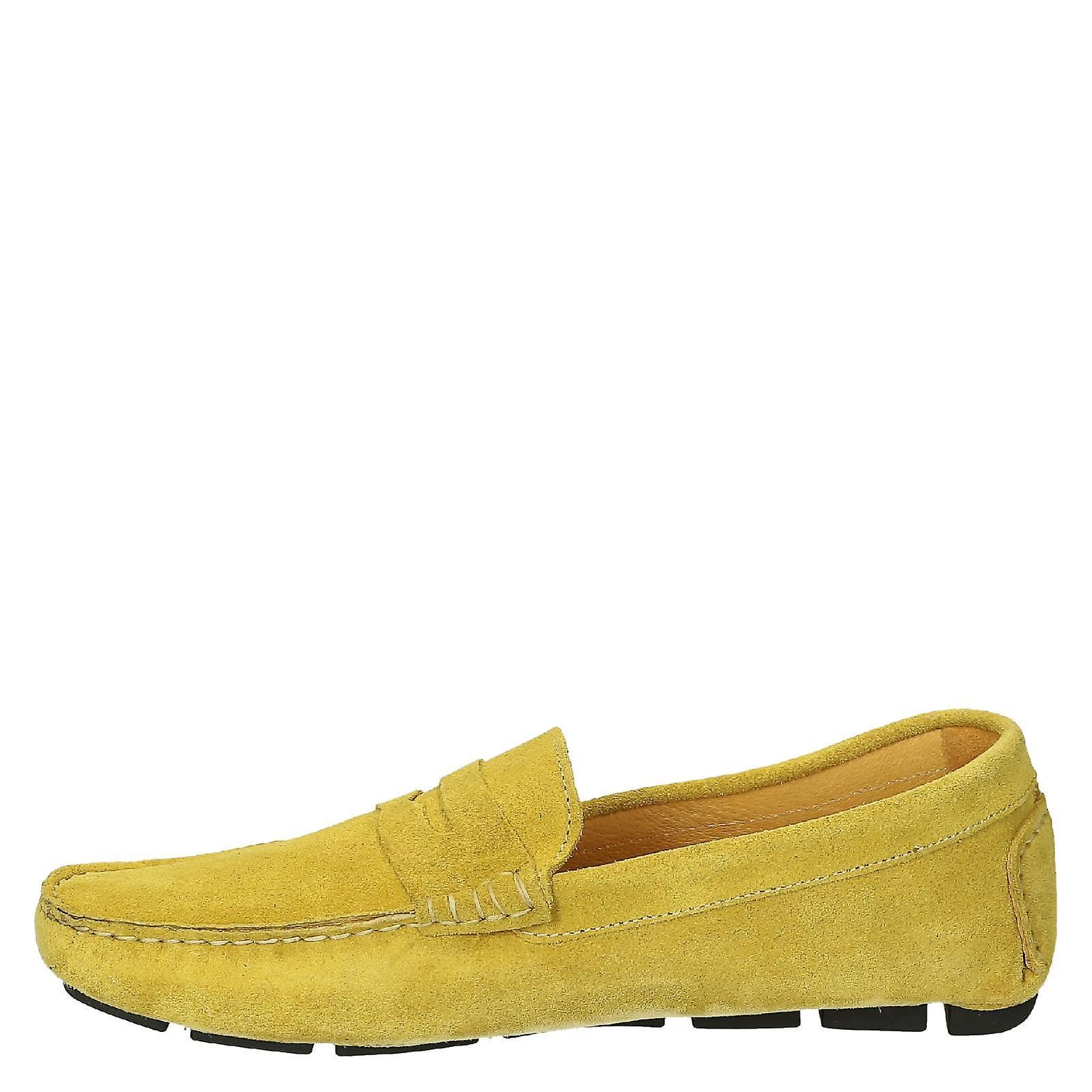 Cuir de daim jaune chaussures mocassins de conduite pour les hommes