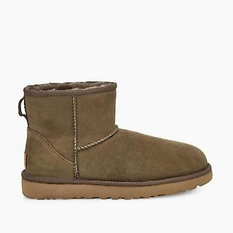 UGG كلاسيك ميني الثاني السيدات أحذية جلد الغنم أوكالبتوس رذاذ