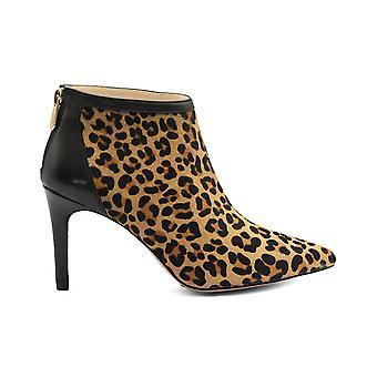 أدريان فيتاديني Womens nyla شعر العجل وأشار إلى أحذية أزياء الكاحل