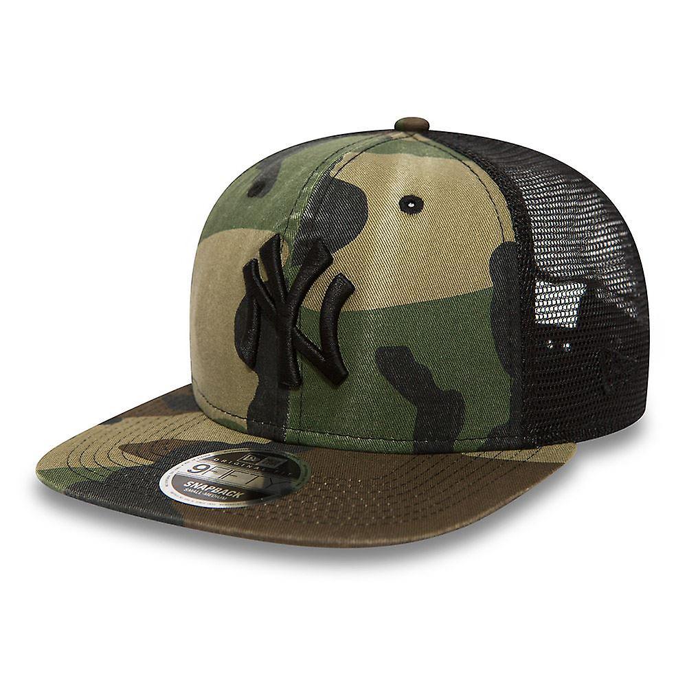 New Era 9Fifty Flatbill Washed Camo Snapback Cap ~ New York Yankees