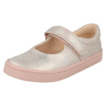Girls Clarks Holographic Detailed Shoes City Gleam