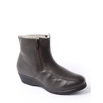 Chums Ladies Leather Wool Lined Ankle Boot