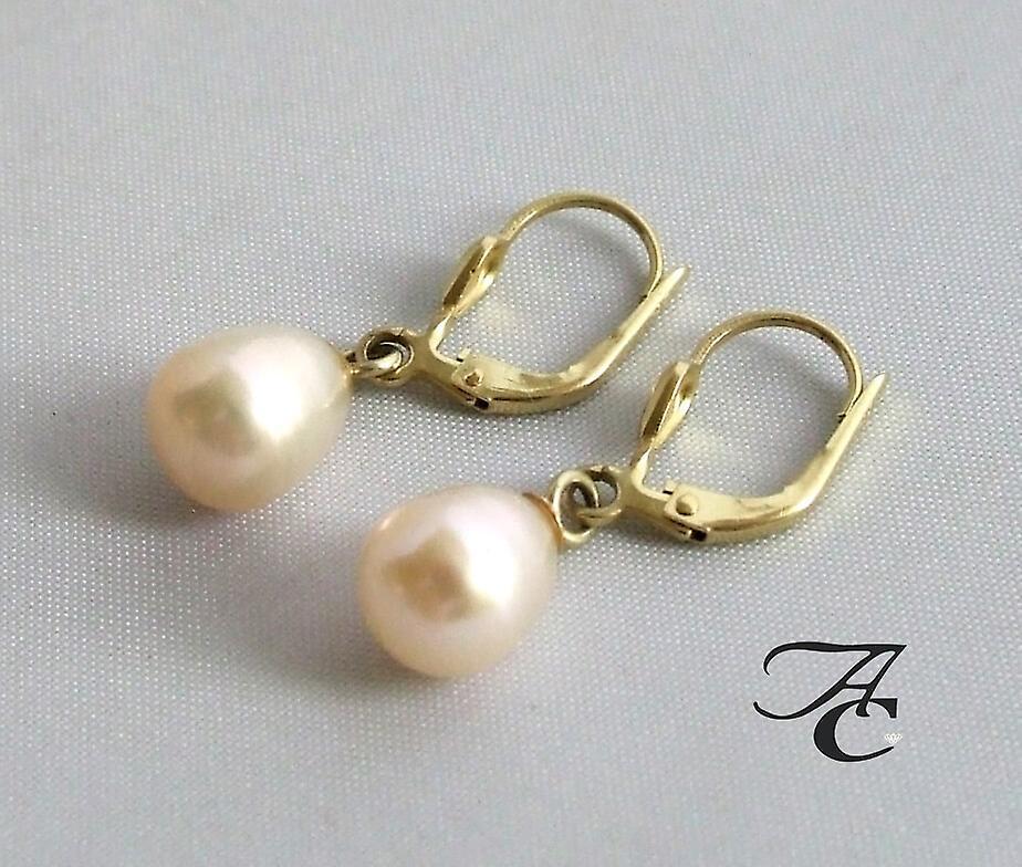 Gouden oorbellen met parel