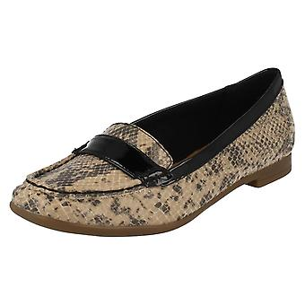 Ladies Clarks Smart Slip på Loafers Atomic dame