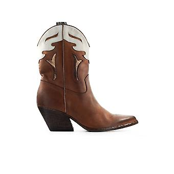 ELENA IACHI WHITE LEATHER TEXAN STYLE BOOTIE