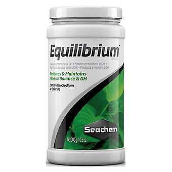 Seachem Equilibrium Mineral Balance & GH Water Treatment - 10,5 oz