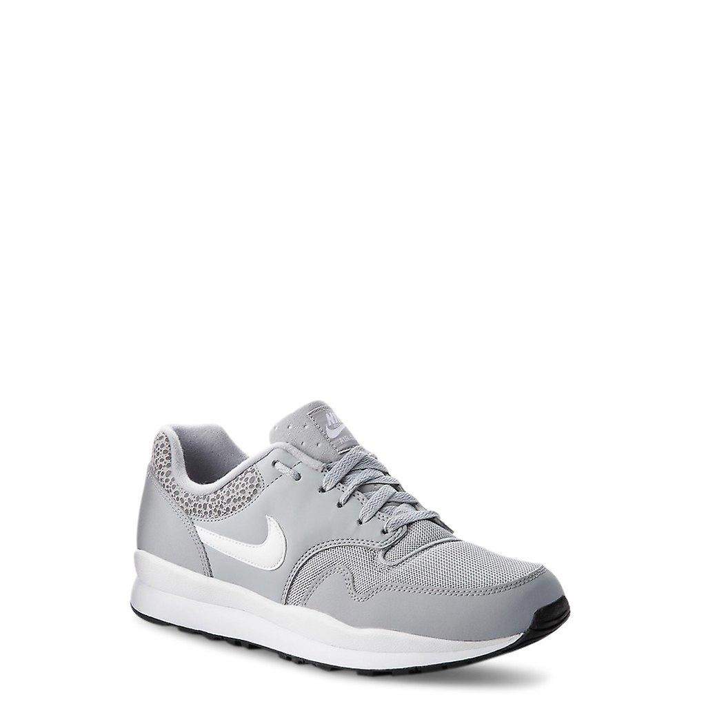 Chaussures de baskets en cuir homme n56535