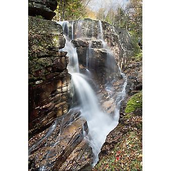 New England New Hampshire valkoisille vuorille Sabbaday kuuluu A metsä vesiputous PosterPrint