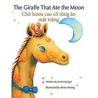 The Giraffe That Ate the Moon  Chu huou cao co tung an mat trang by Kwong & Alvina