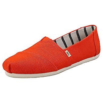 Toms Classic Heritage Womens Slip On Shoes in Cherry Tomato