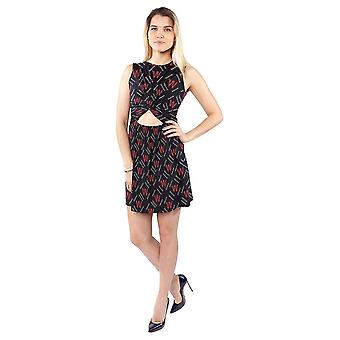 Women''s Sleeveless Waist Dew DressWomens Sleeveless Waist Dew Dress.  .title { Font-size: 18px; } .title1 { Font-size: 14px; } .list { Background-position: Left 10px; }  Type: Polyester 95%
