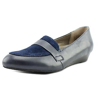 ARRAY Womens Ella Leather Closed Toe Loafers