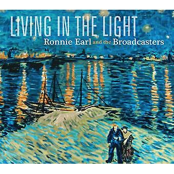 Ronnie Earl & the Broadcasters - Living in the Light [CD] USA import