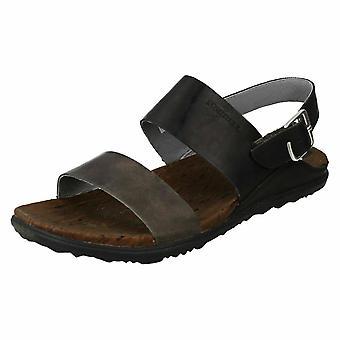 Ladies Merrell rento sandaalit ympäri kaupungin takaisin hihna