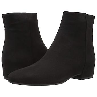 Aquatalia Women's ULYSSAA Naplak Ankle Boot