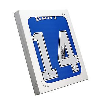 Ryan Kent allekirjoitti Rangersin paidan. 2020-21. Lahjapakkauksessa