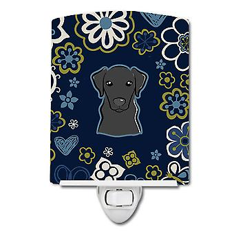 Carolines Treasures  BB5086CNL Blue Flowers Black Labrador Ceramic Night Light