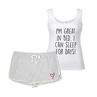 Io sono bravo a letto riesco a dormire per giorni pigiama
