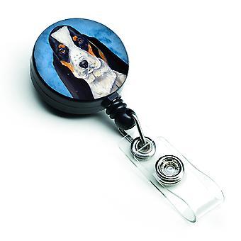 Carolines Treasures  LH9374BUBR Blue Basset Hound Retractable Badge Reel