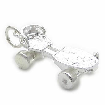 Patin à roulettes avec roues mobiles Sterling Silver Charm .925 Charmes de patinage - 4673