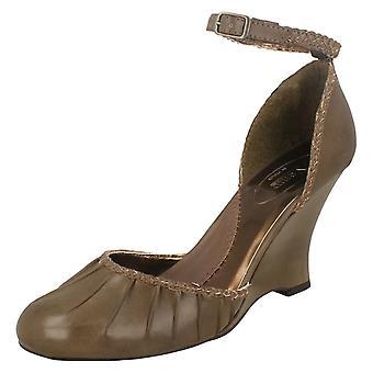 Ladies Vamp Wedge Heel Sandals