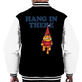 Garfield nålas upp hängande i det män ' s Varsity jacka