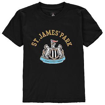 Källa Lab Kids Newcastle United FC Crest T Shirt Junior pojkar