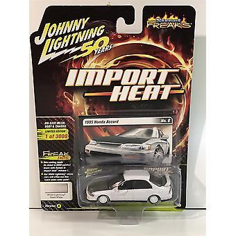 1995 Honda Accord White Lightning Pearl White 1:64 Scale Johnny Lightning JLSF013A