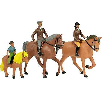 Britains Farmyard 3 Horses & Riders  1:32